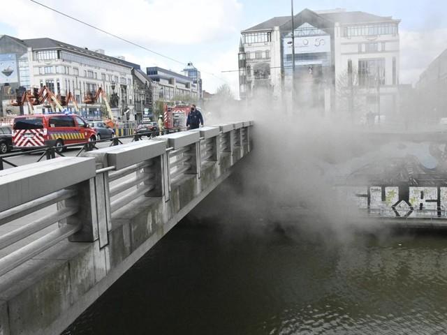 Verkeersinfarct in Brussel door brand in technische koker