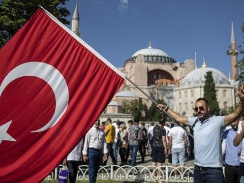 L'Europe conteste la conversion de Sainte-Sophie en mosquée