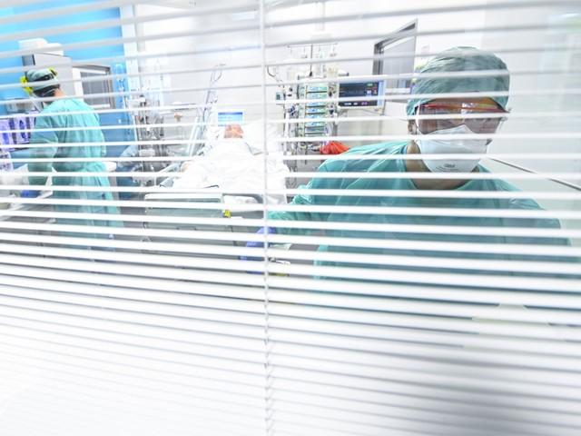Coronavirus: ruim helft meer ziekenhuisopnames in ons land op week tijd