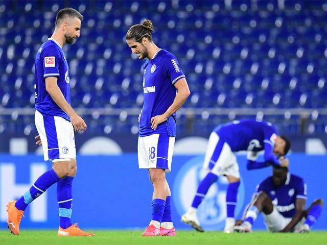 Grote kuis bij Schalke: sportdirecteur buiten, één speler moet weg en twee op non-actief gezet