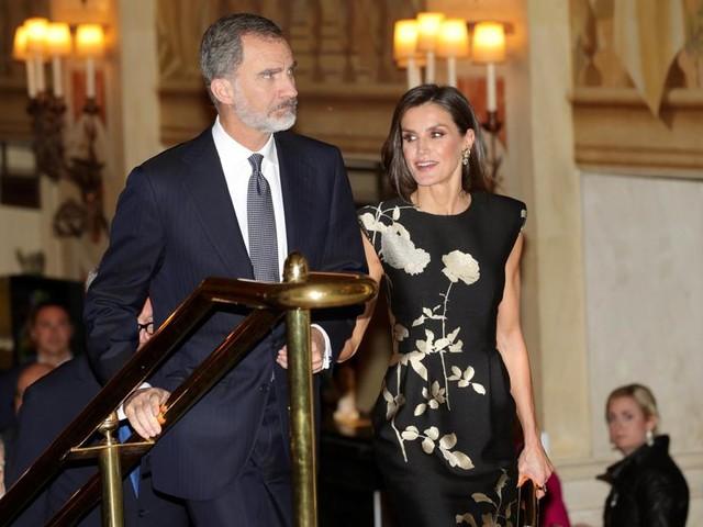 Spaanse koningin ontdekt Dries Van Noten