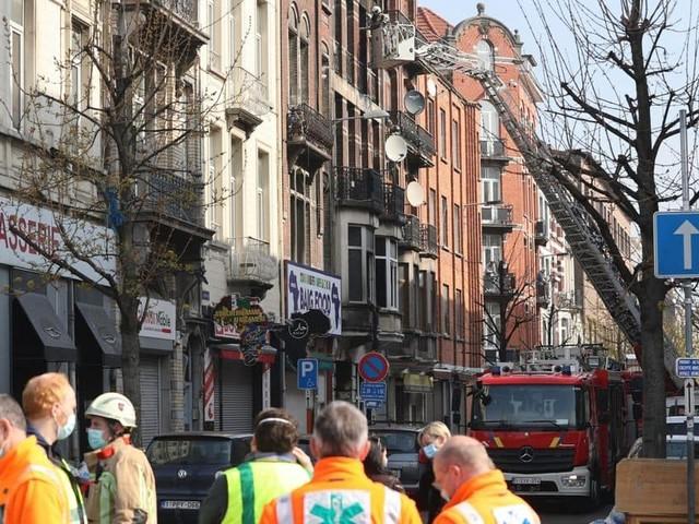 """Incendie à Anderlecht : """"J'ai entendu des cris de femmes et vu un enfant évacué comme un cadavre"""""""
