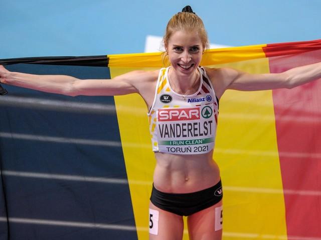 Elise Vanderelst verpulvert in Firenze het Belgisch record op 1500 meter en plaatst zich voor Tokio