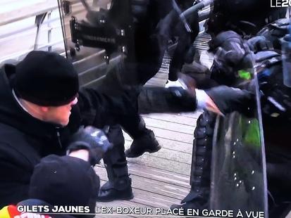 Gendarmes agressés: l'ex-boxeur Christophe Dettinger écroué dans l'attente de son procès!