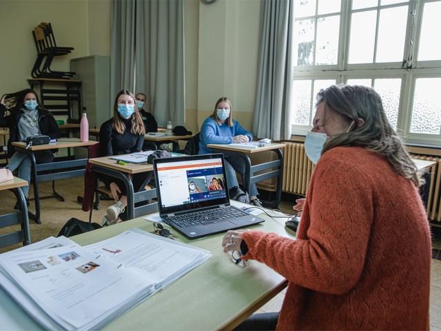 """Onze reporter terug in haar oude school in Vorselaar: """"Blij dat ik geen tiener ben in 2020"""""""