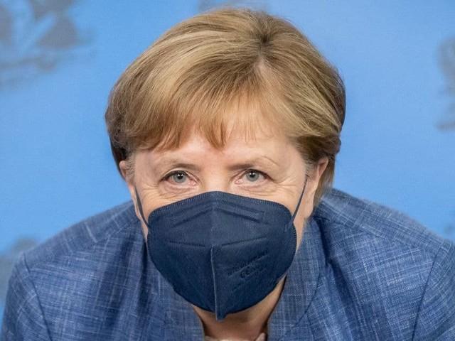 """Merkel se positionne sur la vaccination obligatoire : """"Nous n'avons pas l'intention de suivre la voie que la France"""""""