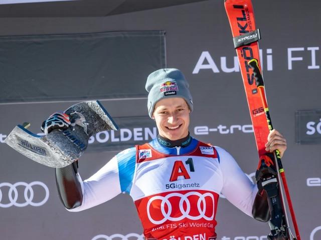 Ski alpin: une rentrée par la grande porte pour Odermatt à Sölden