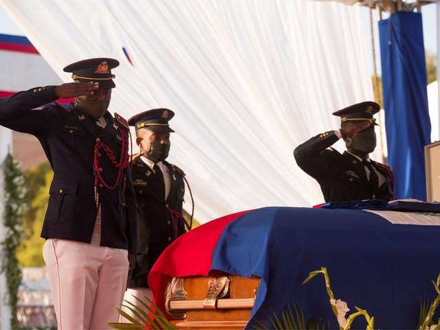 Schoten afgevuurd op begrafenis Haïtiaanse president