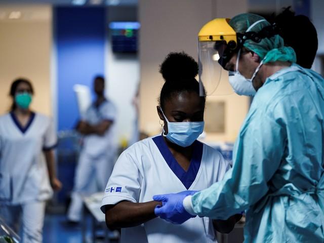 Les infos de 7h30 - Coronavirus au Royaume-Uni : hôpitaux débordés, patients triés
