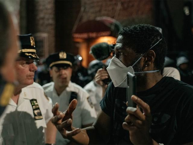 Protesten tegen racisme in New York ondanks avondklok, wake in Minneapolis