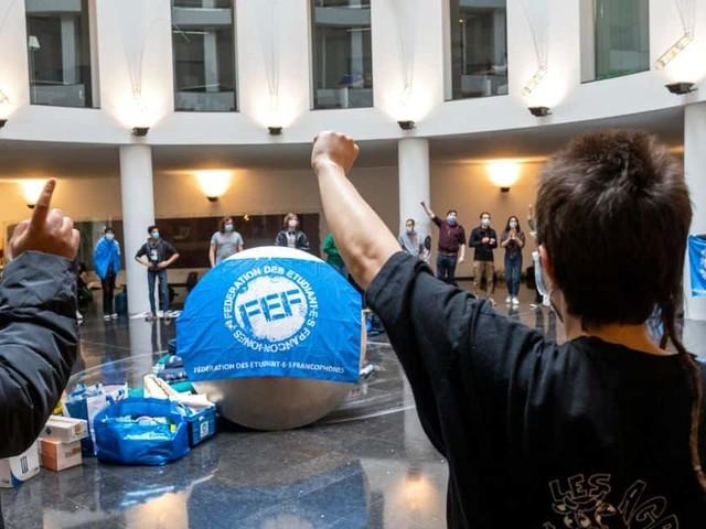 Des étudiants vont passer la nuit au siège du gouvernement de la Fédération Wallonie-Bruxelles