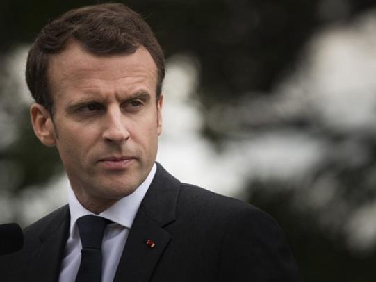 Emmanuel Macron, le journalisme de cour et le contrôle des médias. Par Claude Askolovitch
