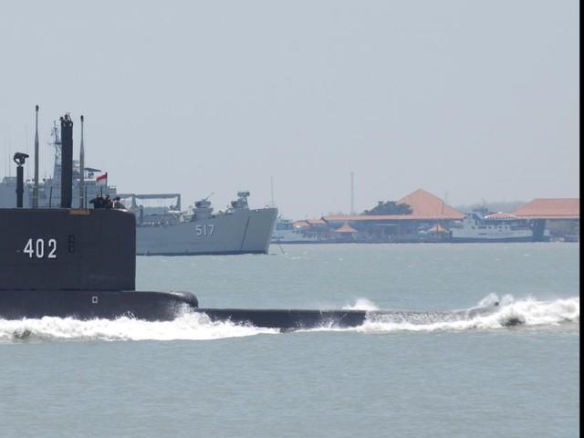 Indonésie: Course contre la montre pour retrouver le sous-marin disparu