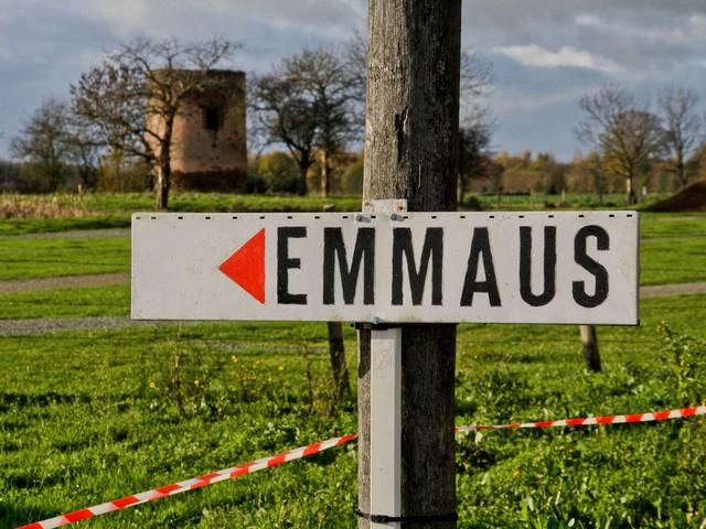 Coronavirus : 32 compagnons de l'Emmaüs de Tourcoing fabriquent des masques