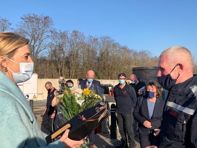 """Oudste vrijwillige brandweerman geëerd: """"Ik zou het zo weer opnieuw doen"""""""