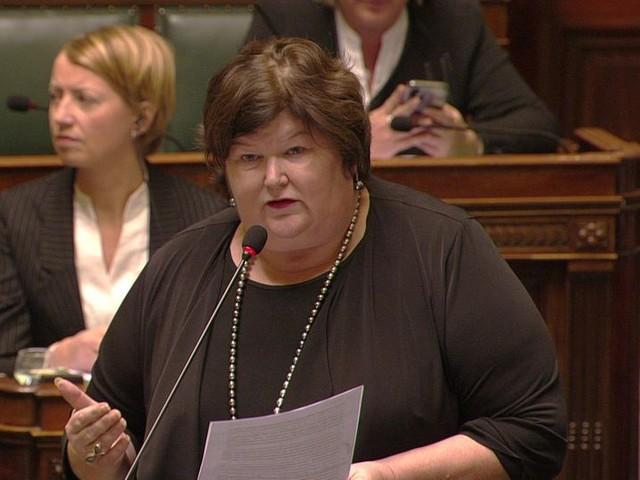 """Minister De Block (Open VLD) over Bilzen: """"We moeten een statement maken dat dit erover is"""""""