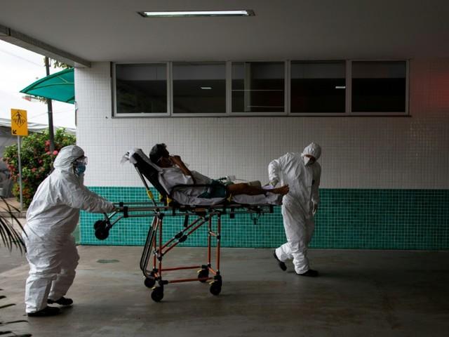 Virus au Brésil: le chaos sanitaire en Amazonie suscite l'indignation