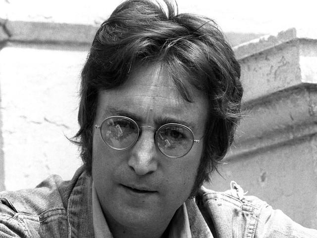 John Lennon : sans le Beatles, un premier titre enregistré dans des conditions particulières