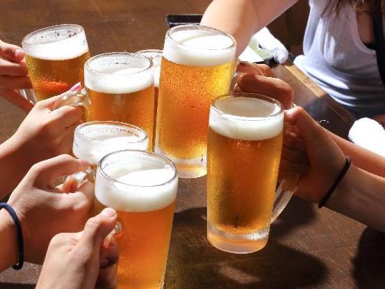 Bière : le prix d'une pinte deux fois plus cher à Paris qu'à Berlin