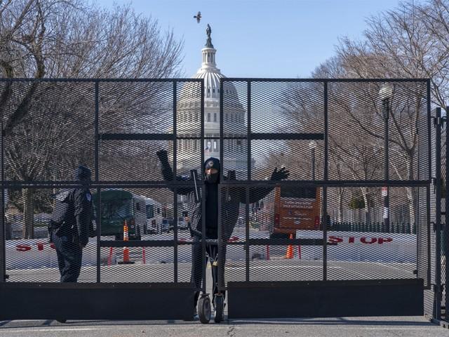 Amerikaanse politie pakt man met vuurwapen en meer dan 500 kogels op in Washington D.C.