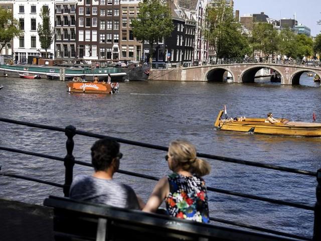 Voyages: les Pays-Bas et le Luxembourg passent au rouge, quels changements pour les touristes belges ?