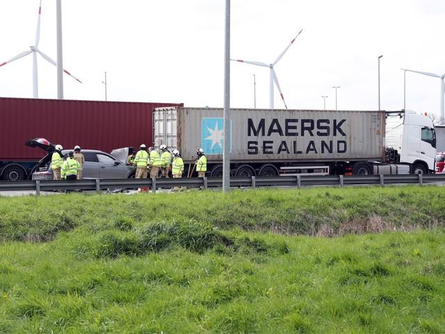 E313 weer volledig versperd richting Antwerpen na ongeval in Geel