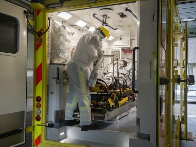 """""""Of 'plan B' voor ziekenhuizen realistisch is? Het zal moeten, anders halen we het niet"""""""