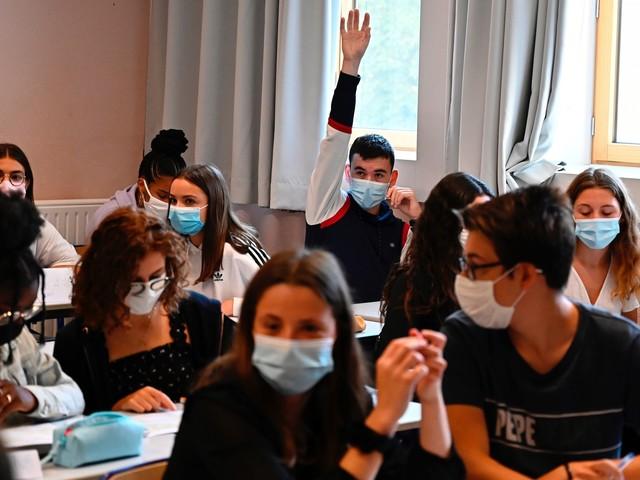 Mesures sanitaires : pourquoi l'école est-elle une exception ?