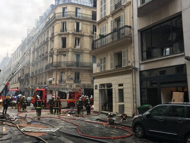 Explosion à Paris : deux pompiers grièvement blessés