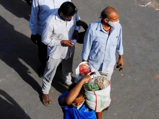 Coronavirus: l'OMS annonce un nombre record de contaminations