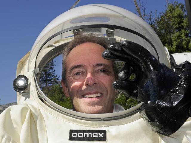 """Conquête spatiale : """"Il n'y a pas d'astronautes blasés"""", assure Jean-François Clervoy"""
