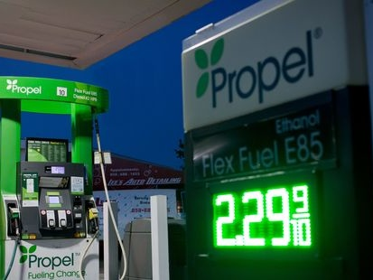 Le superéthanol E85, plus vert et beaucoup moins cher, cartonne en France: pourquoi pas chez nous ?
