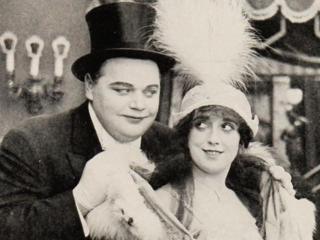 Comment, dans les années 1920, l'affaire Arbuckleamena les politiciens à se mêler de la moralitéd'Hollywood