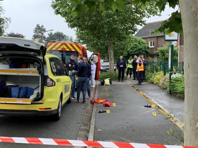 Un homme tué alors qu'il se trouvait à l'arrêt de bus en France: il a reçu une cartouche de fusil de chasse, son beau-père interpellé
