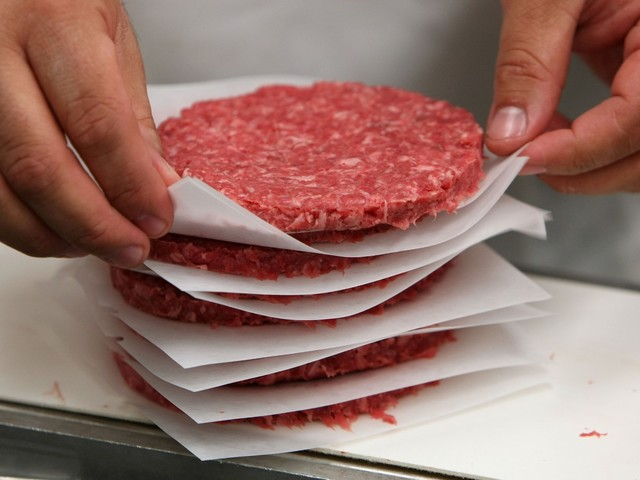 Alimentation : rappel de steaks et de viande hachée à cause de filaments métalliques