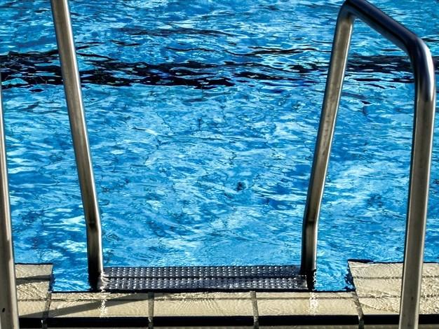 Les Belges craquent de plus en plus pour une piscine : prix moyen, construction, coût de l'entretien, tout ce qu'il faut savoir