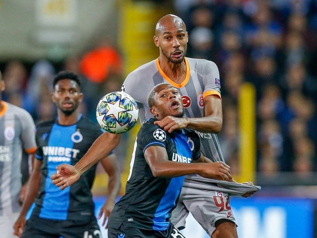 """Philippe Clement: """"Ik begrijp niet dat die penalty niet gefloten wordt"""""""