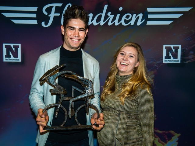 Wout van Aert wint tweede Flandrien op rij, Lotte Kopecky voor het eerst Flandrienne