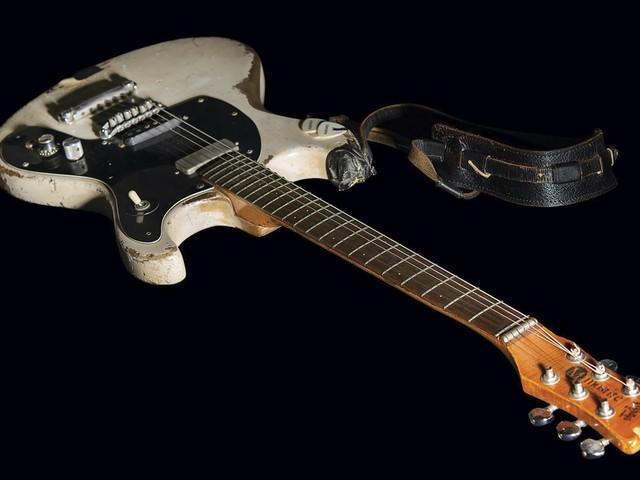 Gitaar van Johnny Ramone voor bijna 1 miljoen dollar geveild