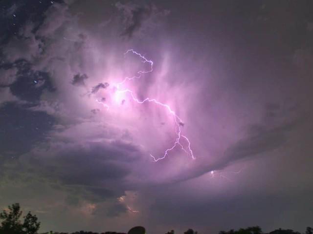 Intempéries : L'IRM lance une alerte orange aux orages sur la plupart des régions