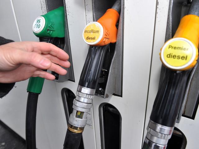 Vacances d'été : 6 conseils pour payer son essence moins cher
