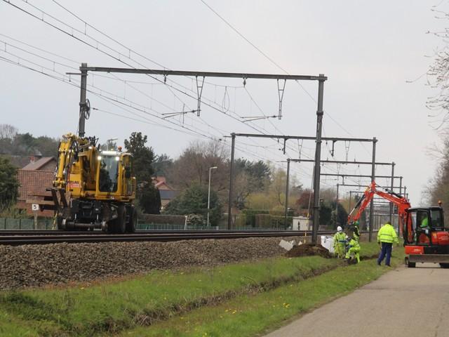 Arbeider (42) gewond bij werken met rupskraan aan spoorlijn Hasselt-Diest