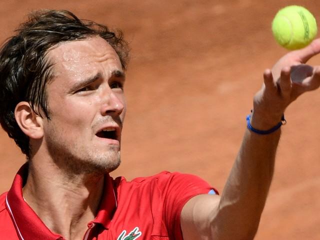 """""""Veuillez me disqualifier"""" : quand Medvedev supplie l'arbitre au Masters 1000 de Rome"""