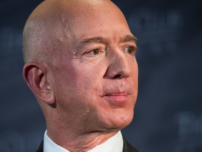 Peu importe le prix de son divorce, Jeff Bezos serait déjà prêt à se remarier
