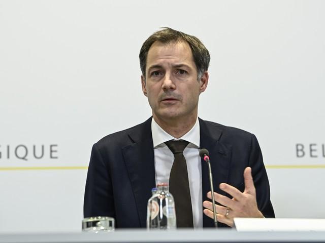Live   Regering kondigt extra steunmaatregelen aan: vrijstelling RSZ-bijdrage bedrijven uitgebreid