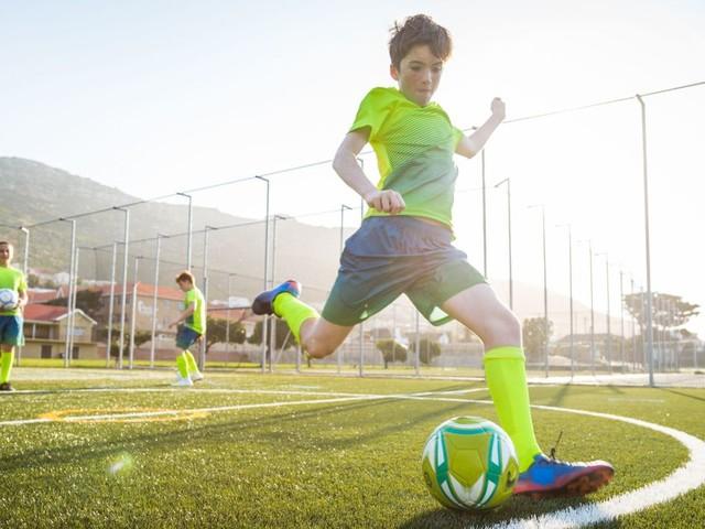Les experts envoient un signal aux jeunes et préconisent la reprise du sport chez les moins de 18 ans