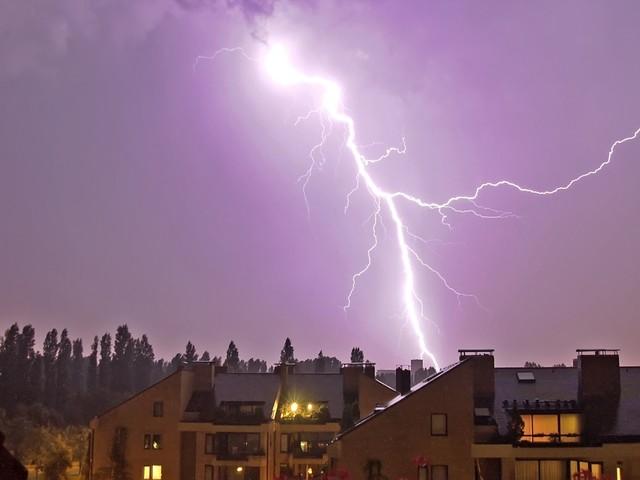 KMI waarschuwt: zaterdag code oranje in Antwerpen voor felle onweersbuien