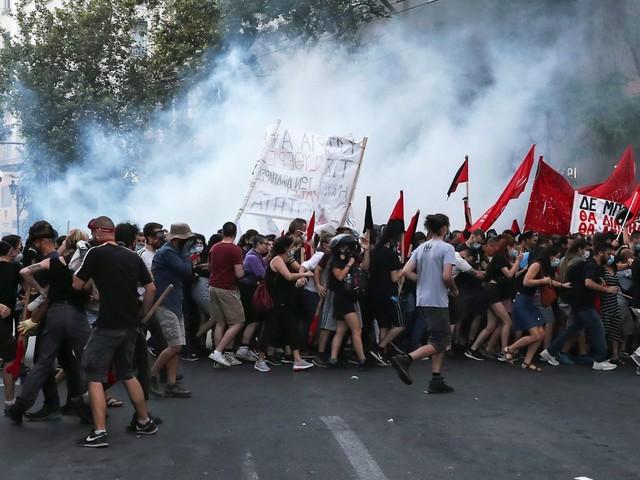 Un rassemblement pour le droit de manifester dispersé à Athènes