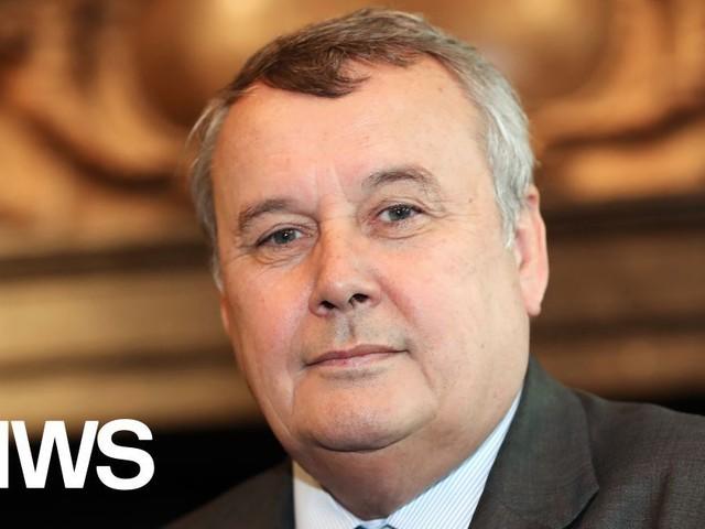 Vlaamse regering schuift VRT-topman Paul Lembrechts aan de kant; Leo Hellemans wordt interim-CEO