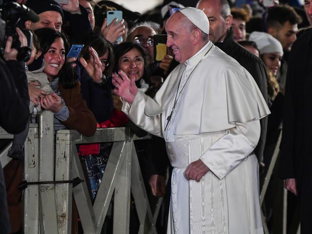 Indisposé, le pape François annule sa présence à une messe